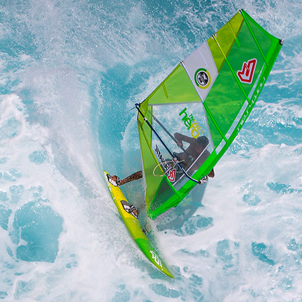 Fanatic-Quad-Windsurf-board-2016-Team-Edition-Action3.png