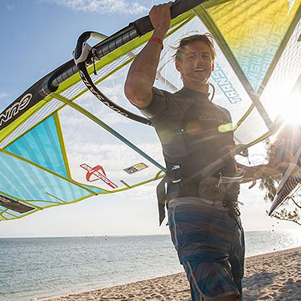 2018_Dakine_Windsurf_Harness_XT_Seat_0001_Action