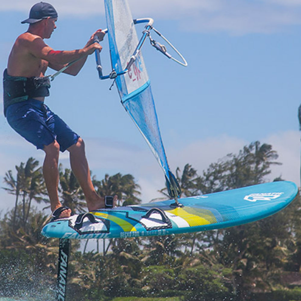Fanatic-F9-Flow-Windsurf-Foil-2018-Action