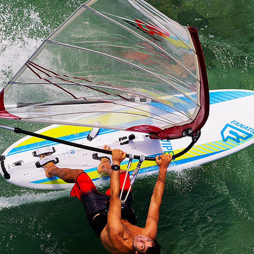 Fanatic-Viper-Windsurf-board-2016-Action