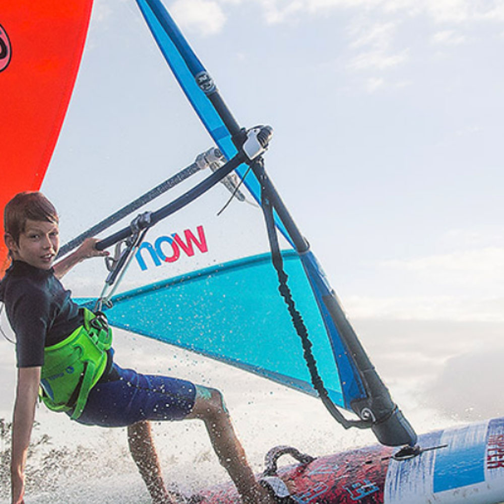 Fanatic-ripper-112-2018-windsurf-board-action1