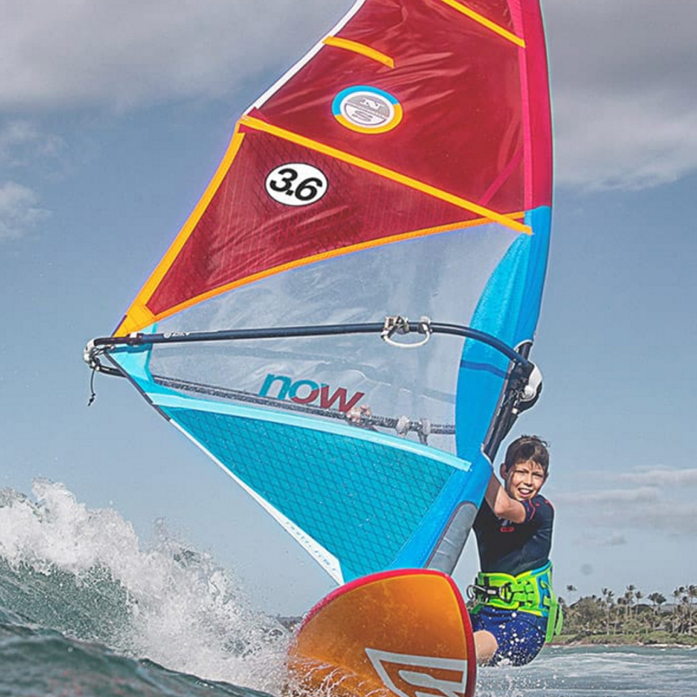 North-Idol-2018-Windsurfing-Sail-aCTION