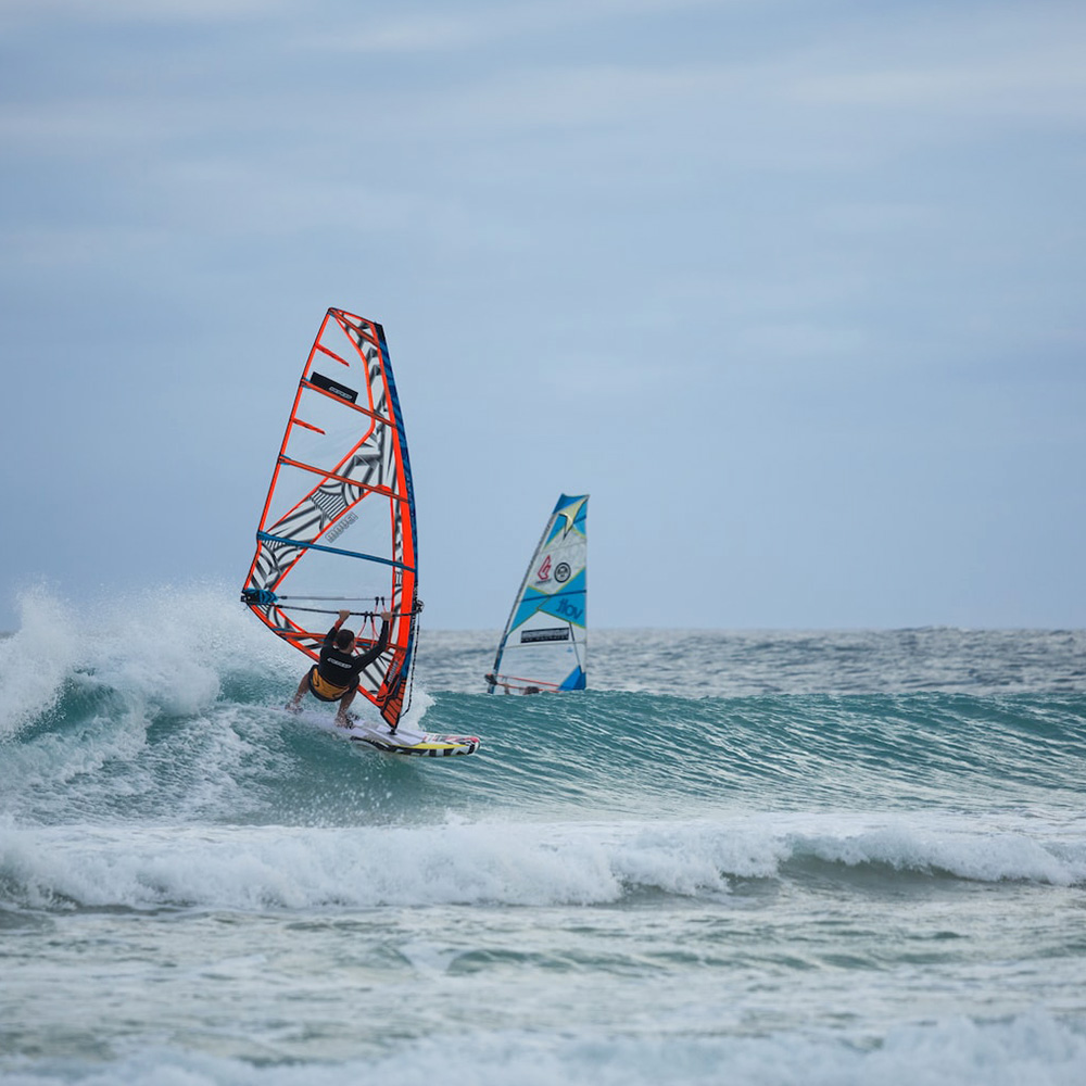 2018_RRD_AIRWINDSURF_FREESTYLE_WAVE_0001_Action