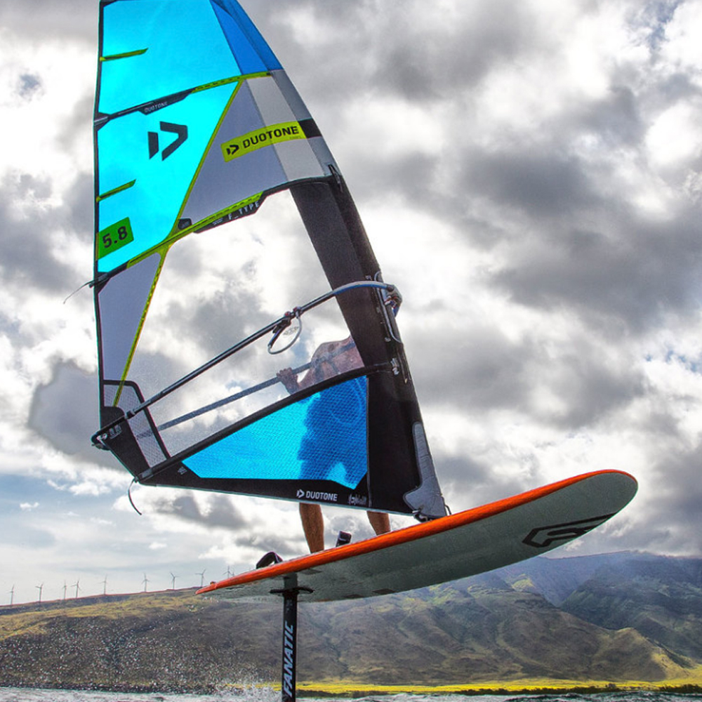 Duotone-FType-Windsurfing-Sail-2019-action1