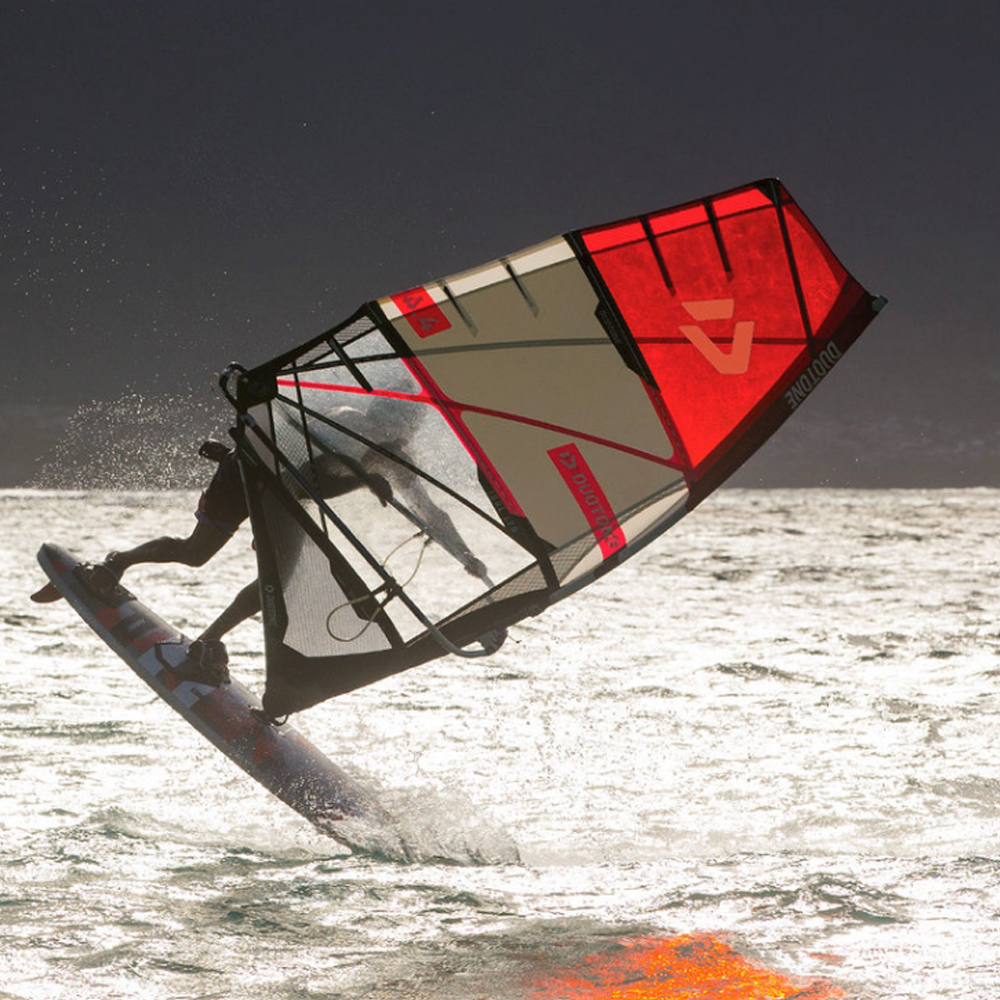 Duotone-Idol-windsurfing-sail-2019-Action1