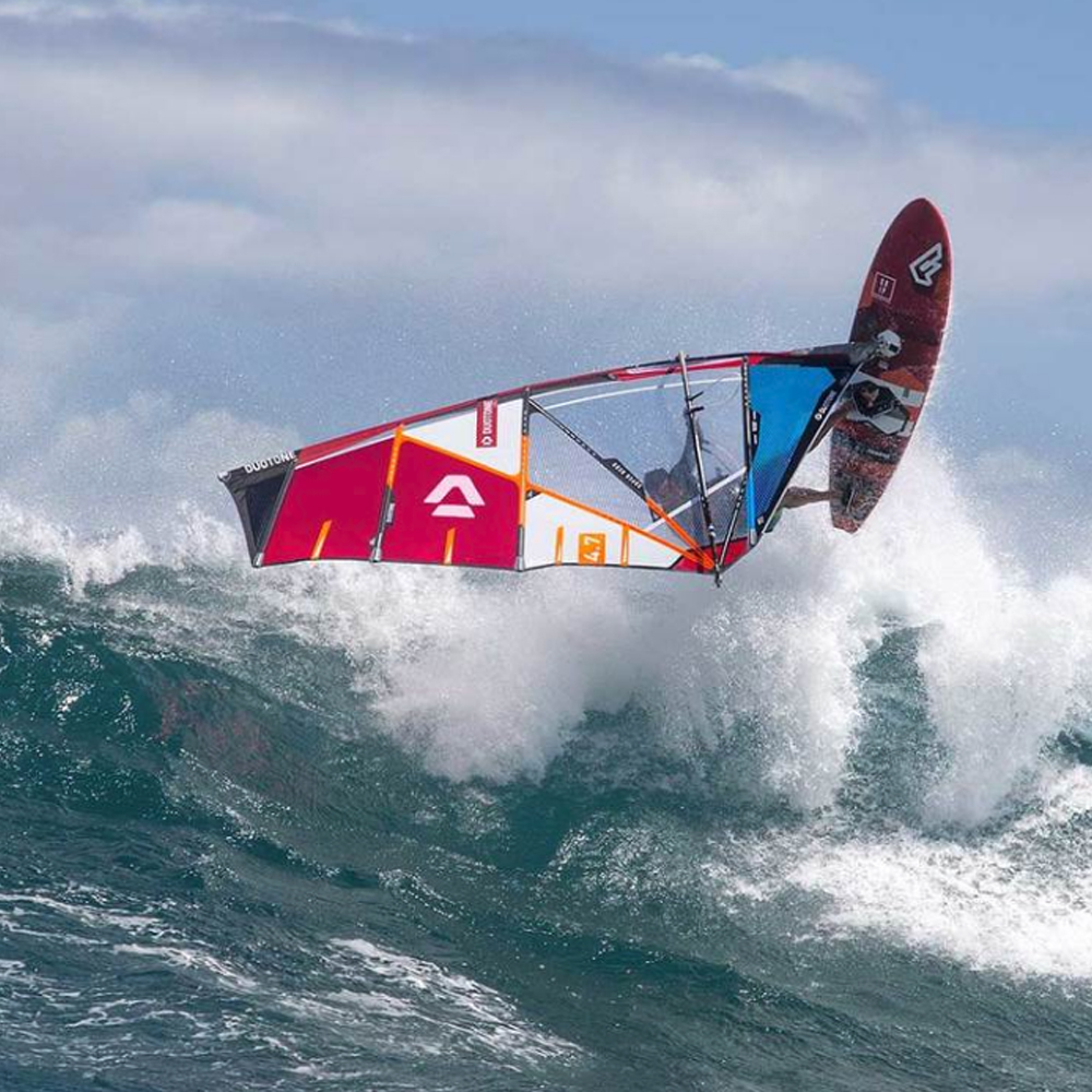 Duotone-Superhero-windsurfing-sail-2019-action