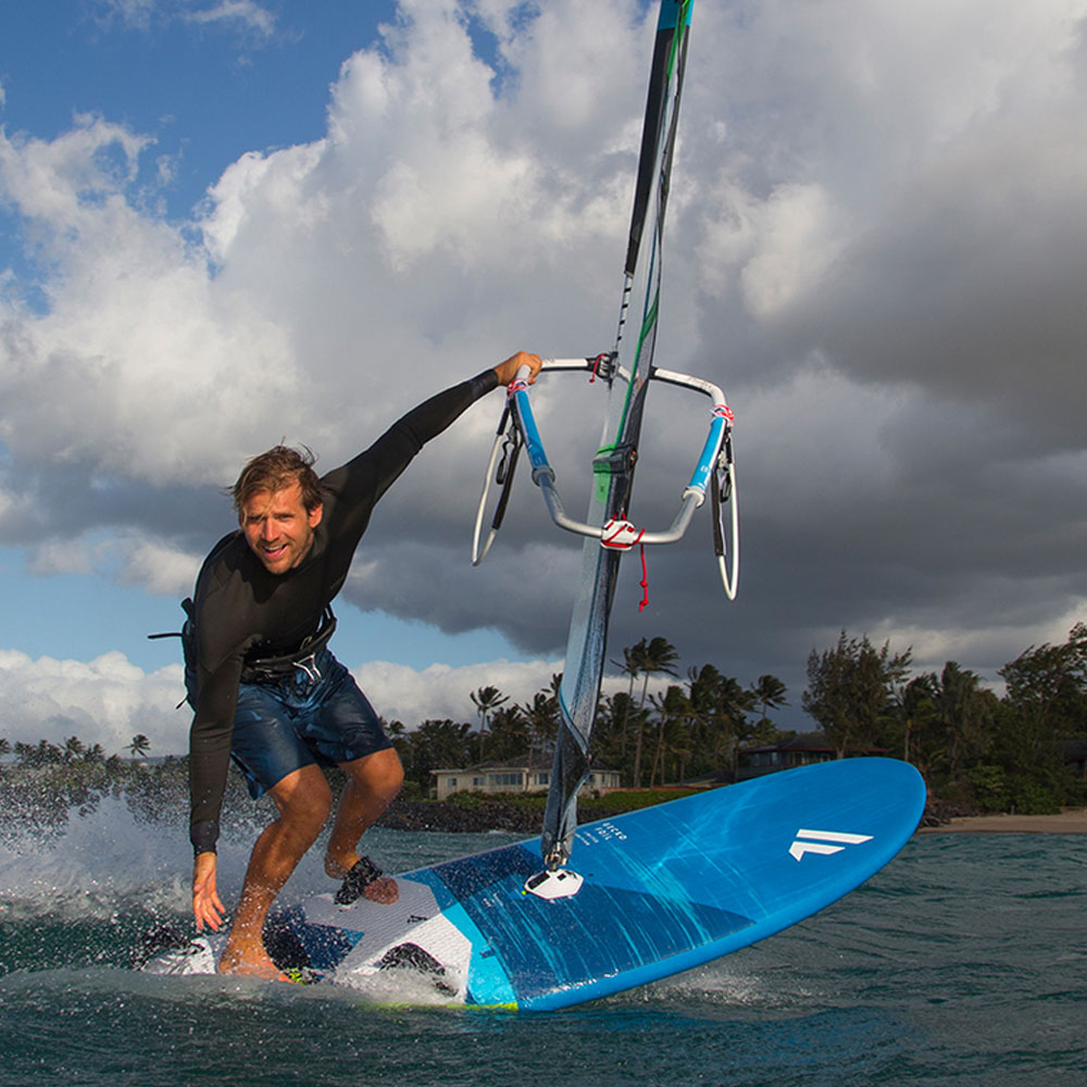 Fanatic-Gecko-LTD-windsurf-board-2020-Action