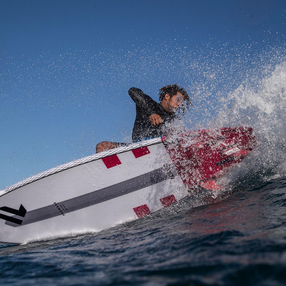 H2O-2020-Fanatic-SUP-Rigid-Action_22_ProWave