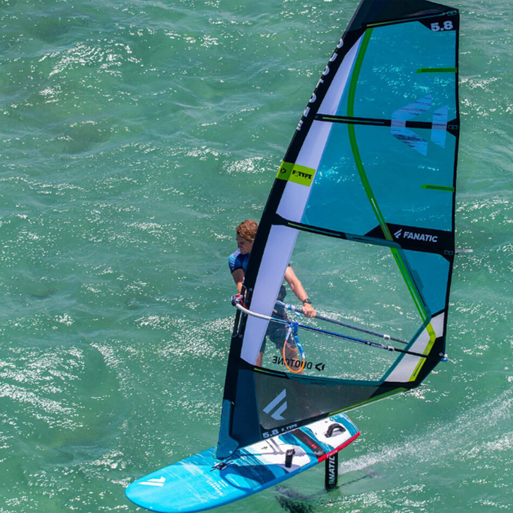 Duotone-F-Type-windsurf-foil-sail-2020-Action2