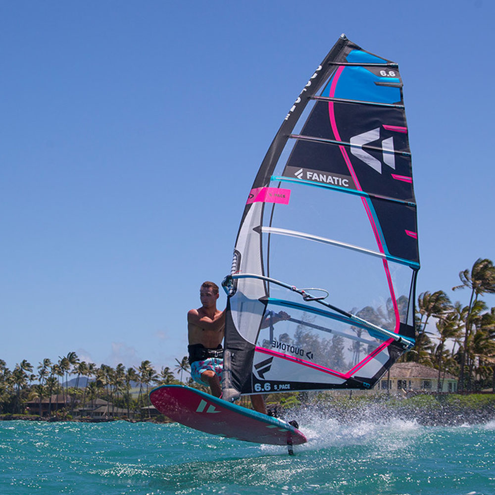 Fanatic-BLAST-LTD-windsurf-board-2020-Action