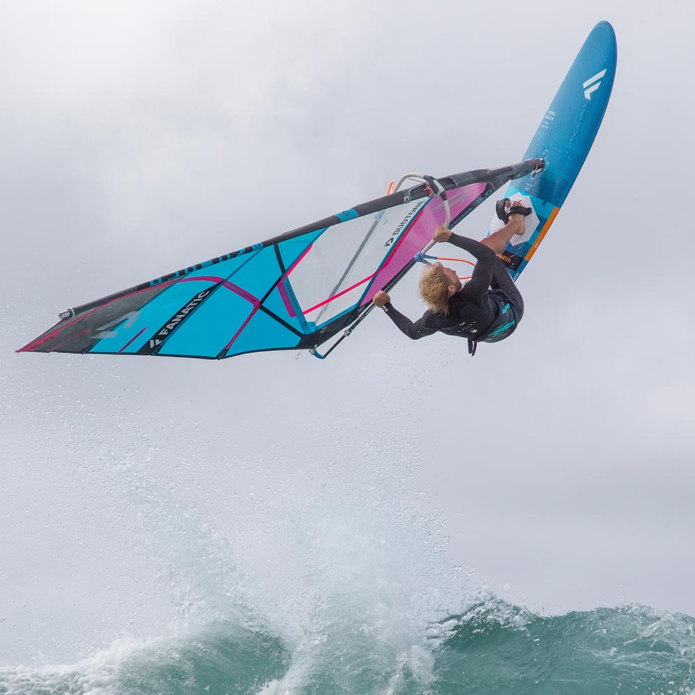 ION-2020-Action_0004_Windsurf