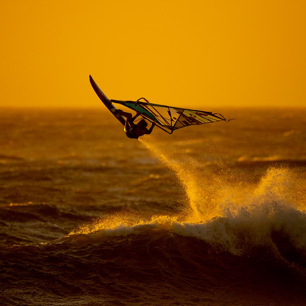 ION-2020-Action_0010_Windsurf