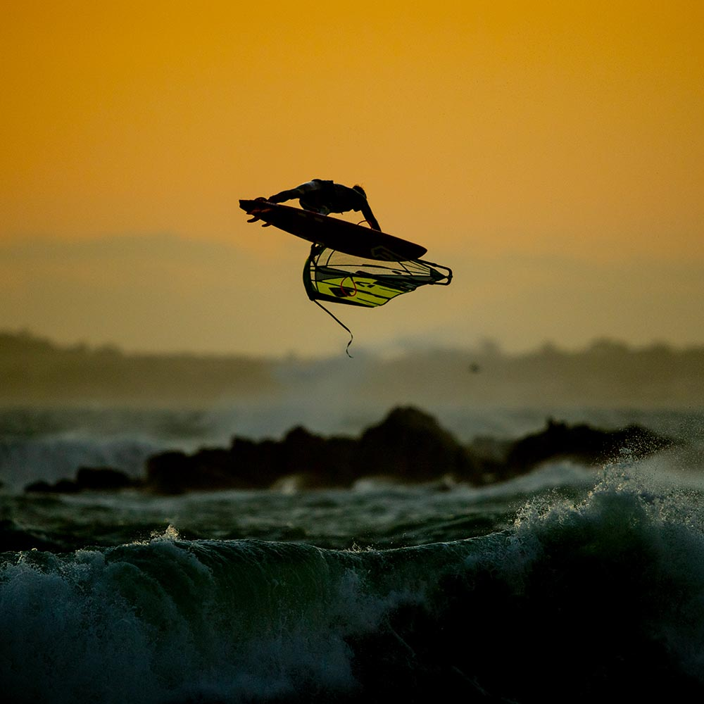 ION-2020-Action_0009_Windsurf