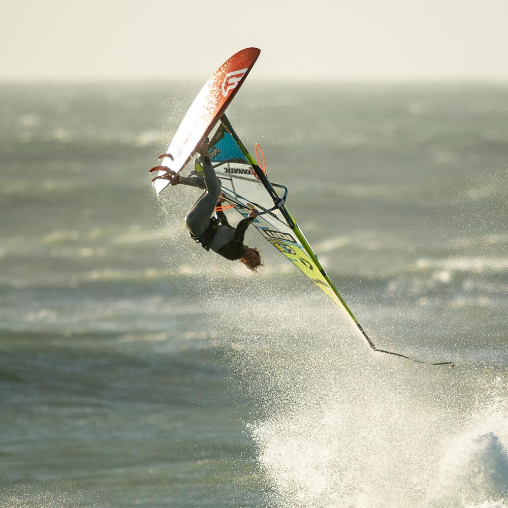 ION-2020-Action_0012_Windsurf