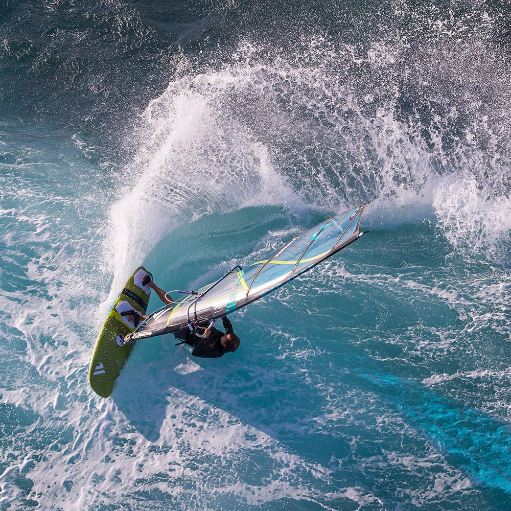 ION-2020-Action_0006_Windsurf
