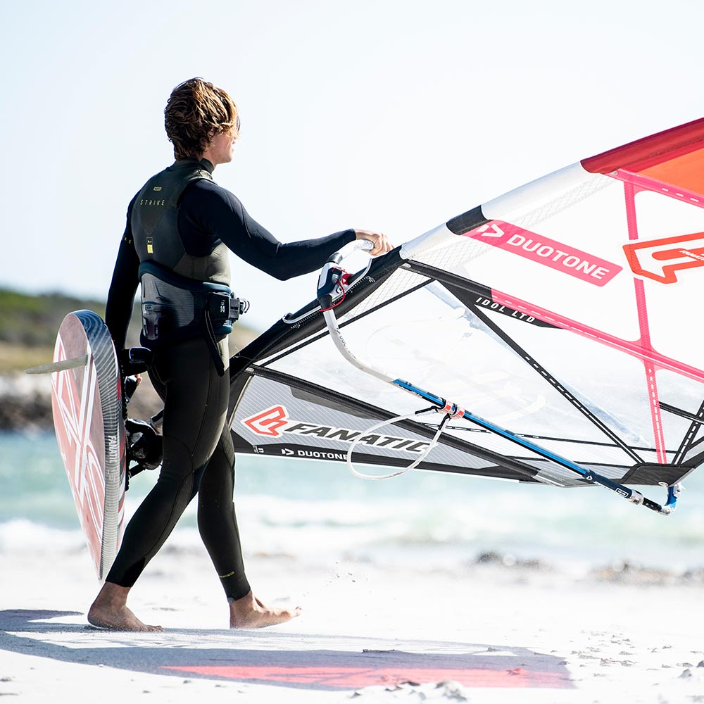 ION-2020-Action_0014_Windsurf