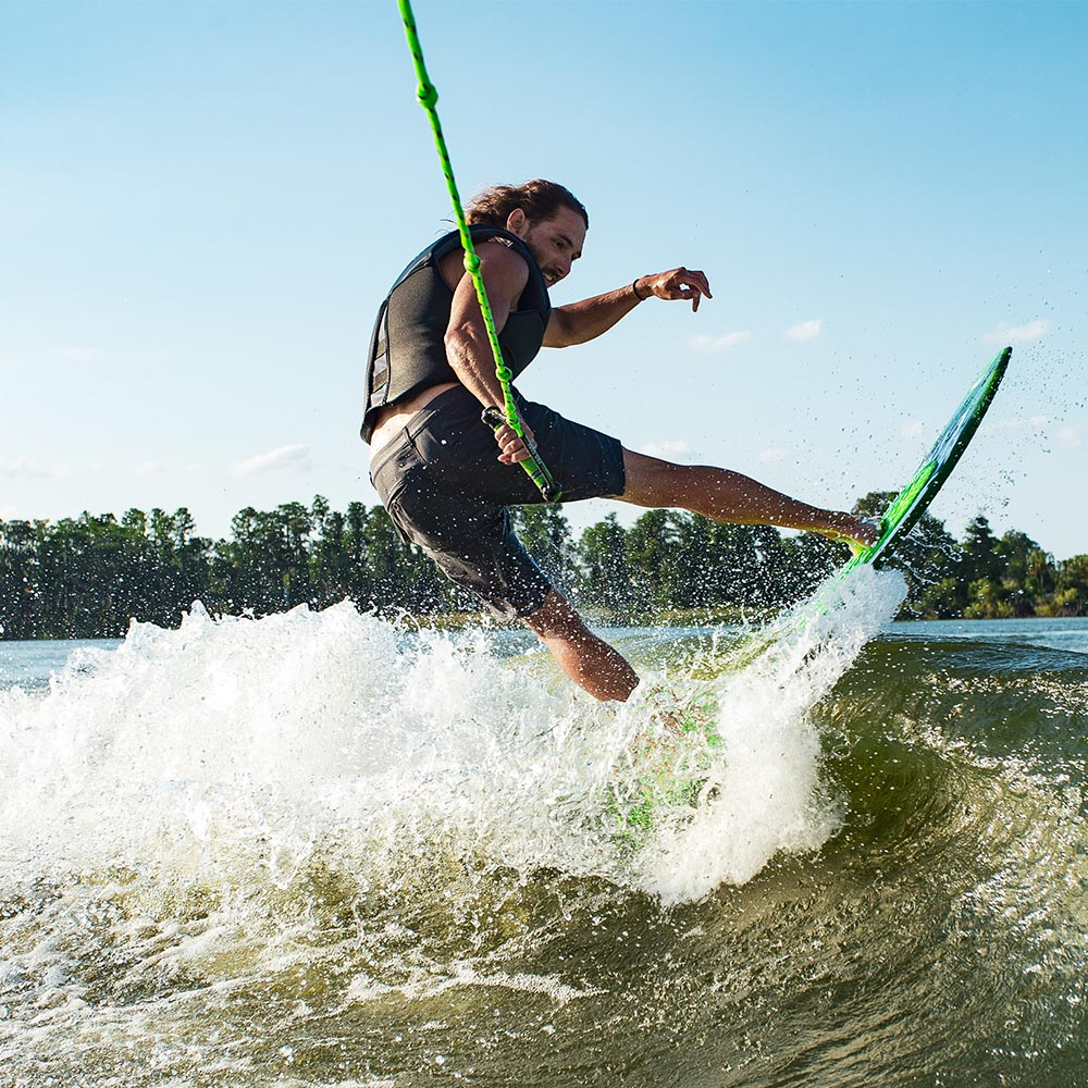 2021-OBrien-Ropes_0000_Wakesurf-action
